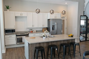 8197 Meeting Street 1-3 Beds Apartment for Rent Photo Gallery 1