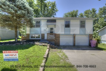 19413 East 5th Court North 3 Beds House for Rent Photo Gallery 1