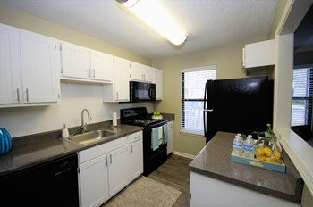 50 Stoneview Trail 1-2 Beds Apartment for Rent Photo Gallery 1