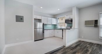 660 S. Cloverdale Avenue, Studio Apartment for Rent Photo Gallery 1