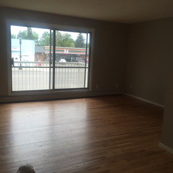 11804 - 49 Street 1-2 Beds Apartment for Rent Photo Gallery 1