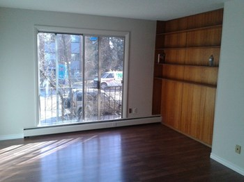 15304 - 100 Avenue 1 Bed Apartment for Rent Photo Gallery 1
