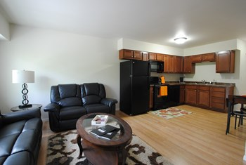1120 & 1122 17th St N 3 Beds Apartment for Rent Photo Gallery 1