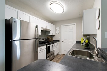 6520 Dorchester Road 2-3 Beds Apartment for Rent Photo Gallery 1