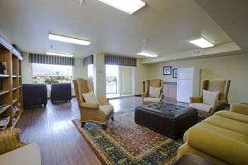 1351 East Stewart Ave. 1-2 Beds Apartment for Rent Photo Gallery 1
