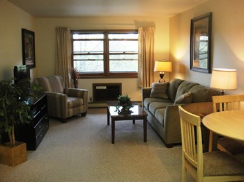 100 N. Franklin Street 1-2 Beds Apartment for Rent Photo Gallery 1