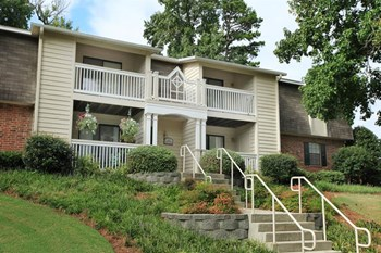 4001 Pelham Rd 1-3 Beds Apartment for Rent Photo Gallery 1
