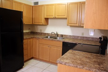 318-324 Southwind Drive 2-3 Beds Apartment for Rent Photo Gallery 1