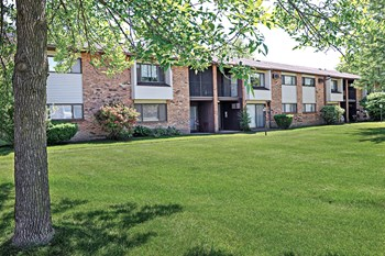 40 Webster Manor Drive 1-3 Beds Apartment for Rent Photo Gallery 1