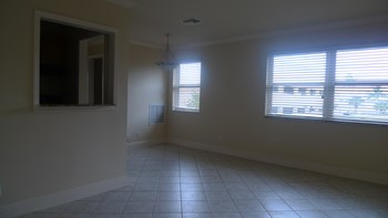 5500 North Flagler Drive 1 Bed Apartment for Rent Photo Gallery 1