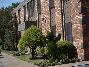 620 N Hewitt Drive 1-2 Beds Apartment for Rent Photo Gallery 1
