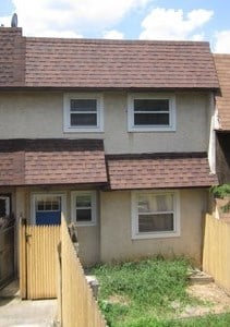 938 Green Street 3 Beds House for Rent Photo Gallery 1