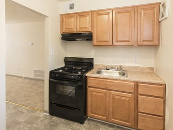 1313 Motter Avenue 1-3 Beds Apartment for Rent Photo Gallery 1