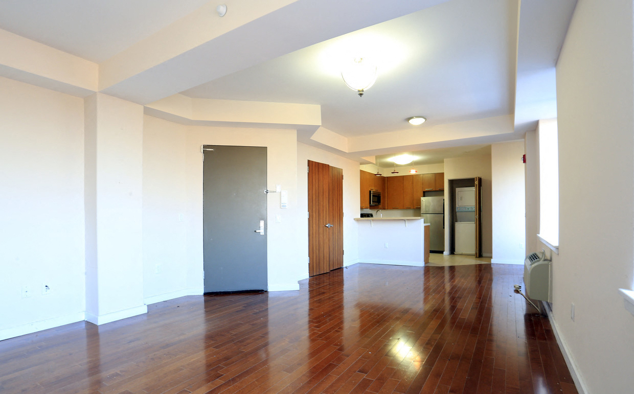 141 South Harrison Street 1 2 Beds Apartment For Rent Photo Gallery 1