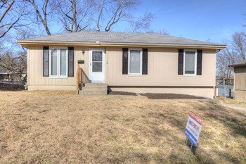 7814 E 105th Street 3 Beds House for Rent Photo Gallery 1