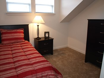 728 West Marshall Street 1-4 Beds Townhouse for Rent Photo Gallery 1