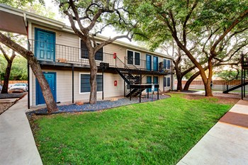 5426 Manchaca Rd Studio-2 Beds Apartment for Rent Photo Gallery 1