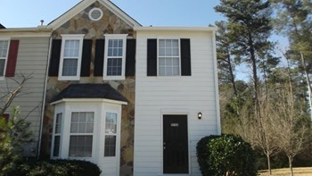 5755 Hampton Ct 3 Beds House for Rent Photo Gallery 1