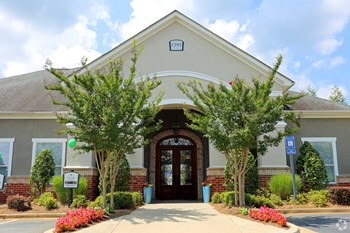 1395 Towne Centre Village Dr 1-3 Beds Apartment for Rent Photo Gallery 1