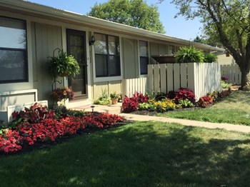 2357-B Greengate Circle 1-2 Beds Apartment for Rent Photo Gallery 1