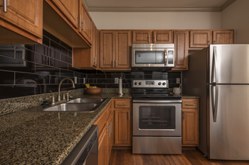 9100 Westheimer Road 1-3 Beds Apartment for Rent Photo Gallery 1