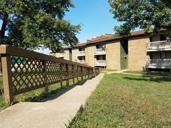 1218 Winburn Dr. 1-2 Beds Apartment for Rent Photo Gallery 1