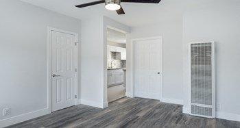 2755 James M Wood Blvd, 1 Bed Apartment for Rent Photo Gallery 1