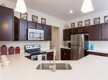 1010 Hazelnut Bend 1-2 Beds Apartment for Rent Photo Gallery 1