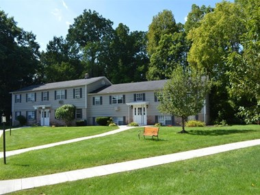 120E Brebeuf Drive 1-2 Beds Apartment for Rent Photo Gallery 1