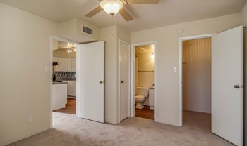5915 Flintlock Rd 1-2 Beds Apartment for Rent Photo Gallery 1