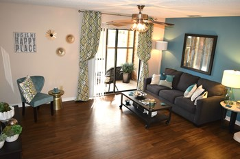 11247 San Jose Blvd 1-3 Beds Apartment for Rent Photo Gallery 1