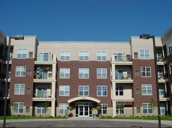 1735 Graham Avenue 1-2 Beds Apartment for Rent Photo Gallery 1