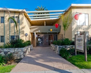 3920 Roxanne Avenue 1-3 Beds Apartment for Rent Photo Gallery 1