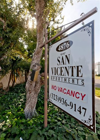 4876 San Vicente Blvd 1 Bed Apartment for Rent Photo Gallery 1