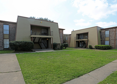 116 East Edgebrook 1-3 Beds Apartment for Rent Photo Gallery 1