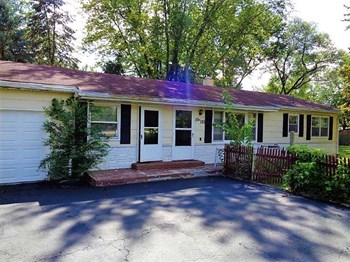 36W155 Weld Rd 3 Beds House for Rent Photo Gallery 1