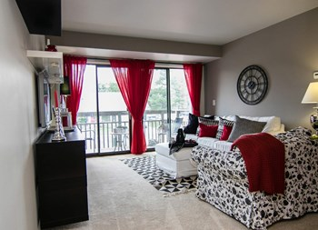 1655 Bloomfield Place Drive 1-2 Beds Apartment for Rent Photo Gallery 1