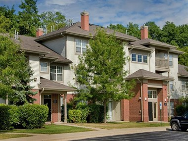 101 Woodlake Blvd 1-2 Beds Apartment for Rent Photo Gallery 1