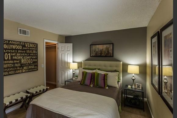 The Metropolitan Apartments Nashville TN 37205 Broadway Bedroom 2 - The Metropolitan - Nashville Apartments (Nashville, TN): From