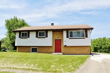 14 Edwards Ct 3 Beds House for Rent Photo Gallery 1