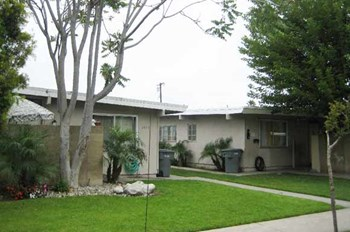 5671, 5685 & 5701 Burnham 7395 Franklin St. 2 Beds Apartment for Rent Photo Gallery 1