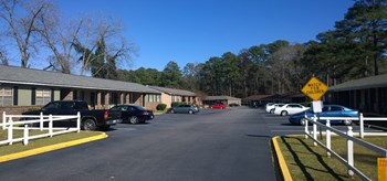 2224 Habersham Road 2-3 Beds Apartment for Rent Photo Gallery 1