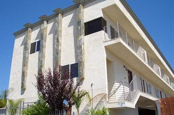 11339 Oxnard St. 3 Beds Apartment for Rent Photo Gallery 1