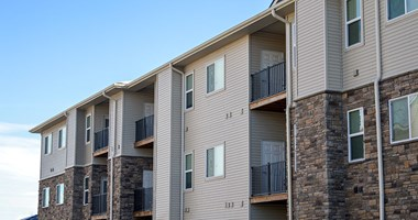 1603 NW Prairie Lakes Drive 2-3 Beds Apartment for Rent Photo Gallery 1