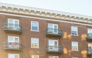 2464 Harney 1-2 Beds Apartment for Rent Photo Gallery 1