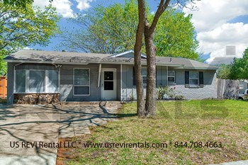 2921 Ridgeway Dr. 3 Beds House for Rent Photo Gallery 1