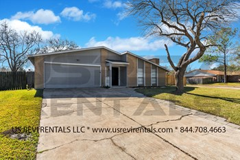 15635 Mendocino Dr. 3 Beds House for Rent Photo Gallery 1