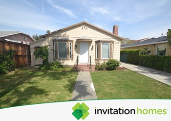 1123 E. 67th Street 3 Beds House for Rent Photo Gallery 1