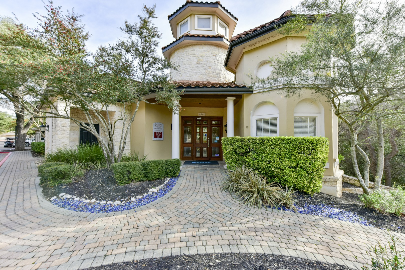 8701 Bluffstone Cove 1 3 Beds Apartment For Rent Photo Gallery 1