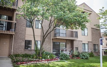 28733 Franklin River Drive 1-2 Beds Apartment for Rent Photo Gallery 1